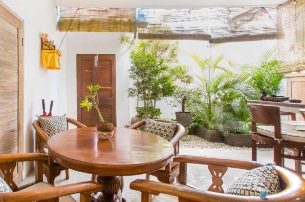 Charming Villa Walkable to Beach, Restaurants