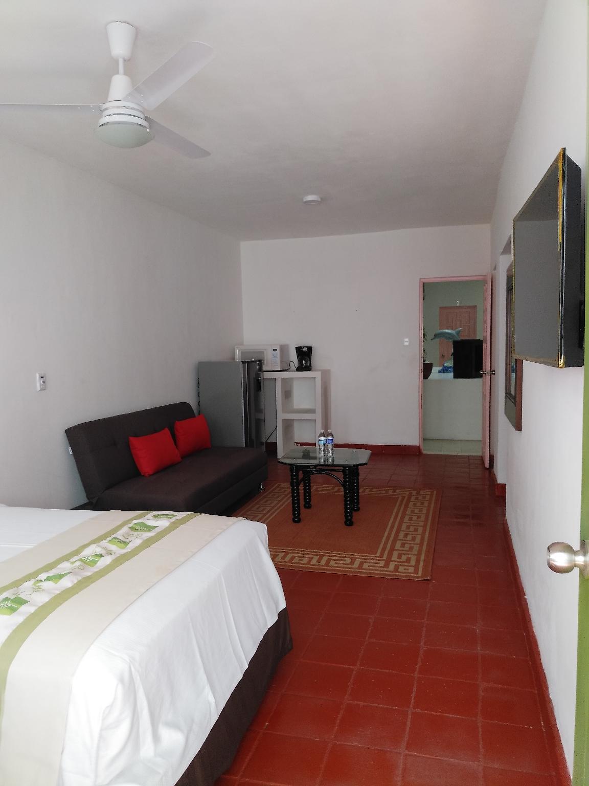 Tropicus 8 Romantic Zone Estudio Room with Terrace