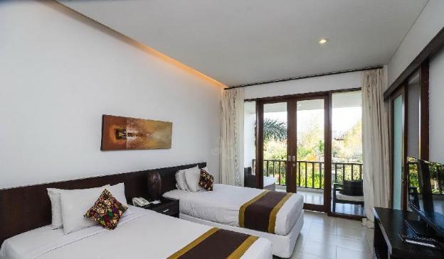 Entire house - 16 bedroom villa river side Legian