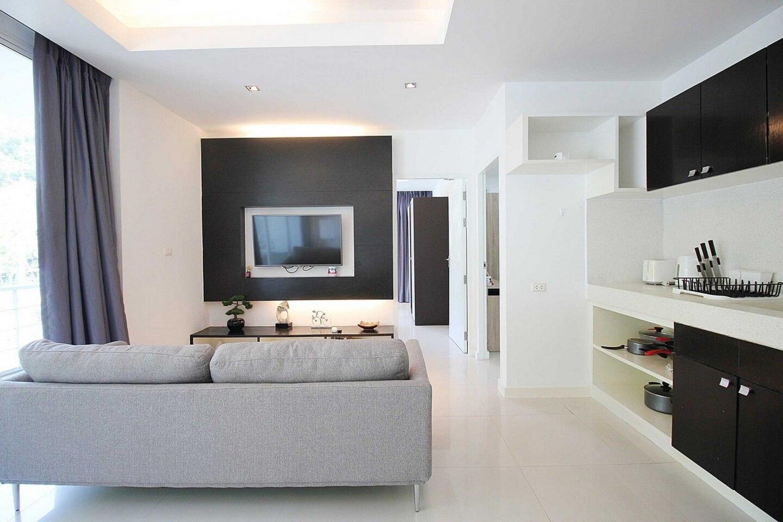 Quiet Hillside 2 Bedroom Condo