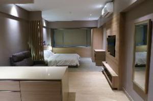 Suite at Shangri-la Place