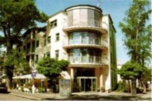 Hotel Am Blauen Wunder   Privathotel
