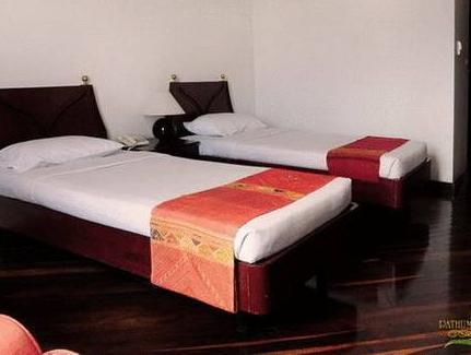 Pathumrat Hotel โรงแรมปทุมรัตน์