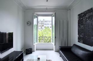 Furnished Suites Near Arc de Triomphe
