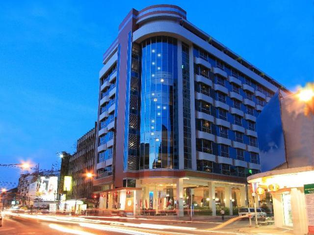 โรงเเรมโกลเด้นคราวน์ แกรนด์ – Golden Crown Grand Hotel