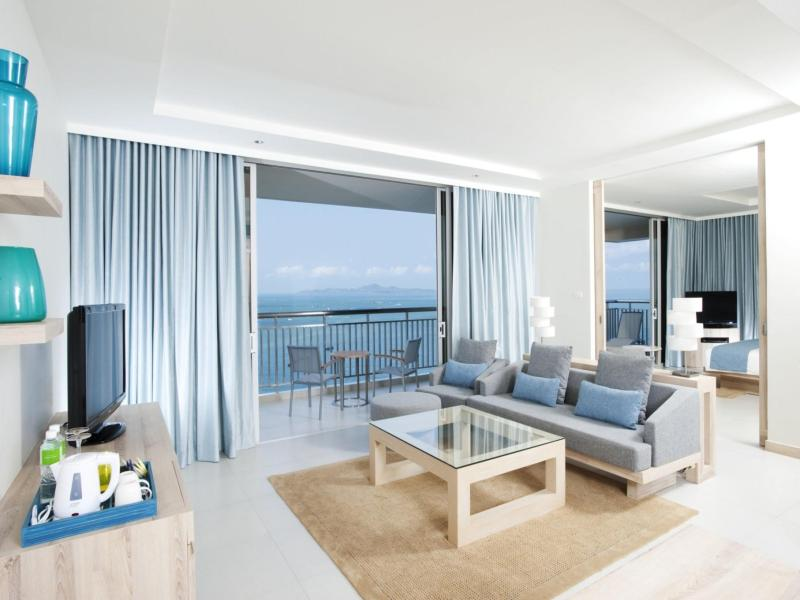 1 King Ocean View Suite Nonsmoking