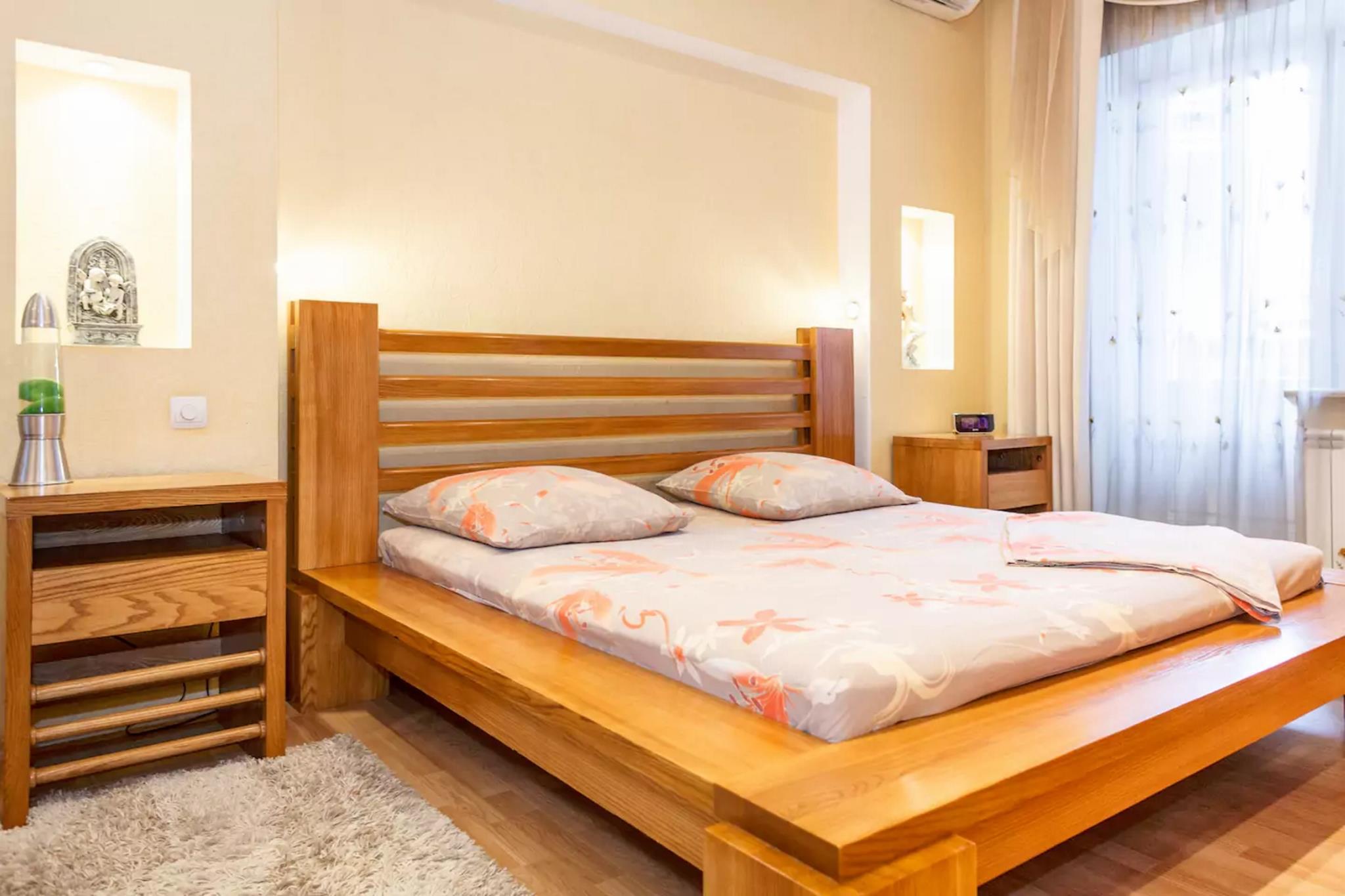 2 Room Suite Apartments Near Prospekt Lenina