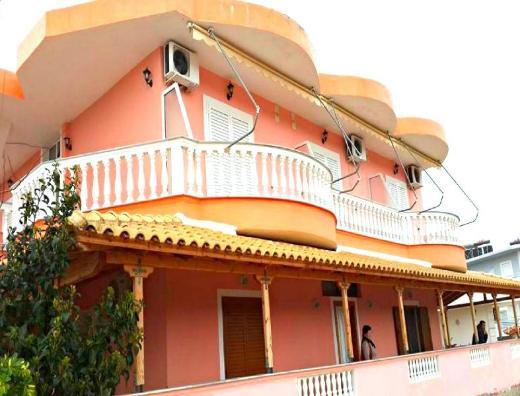 Dorti Apartments