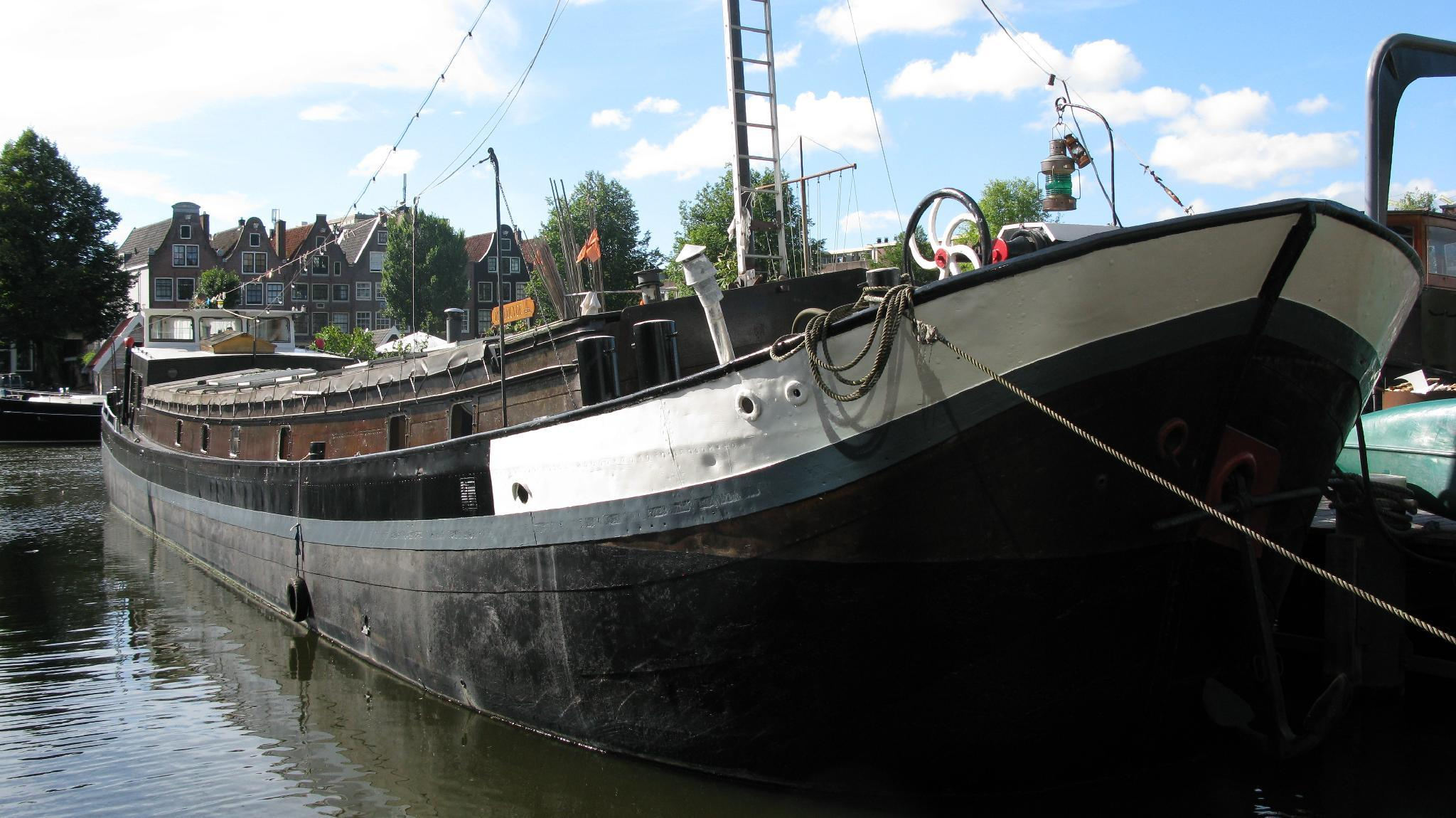 houseboat ms Luctor