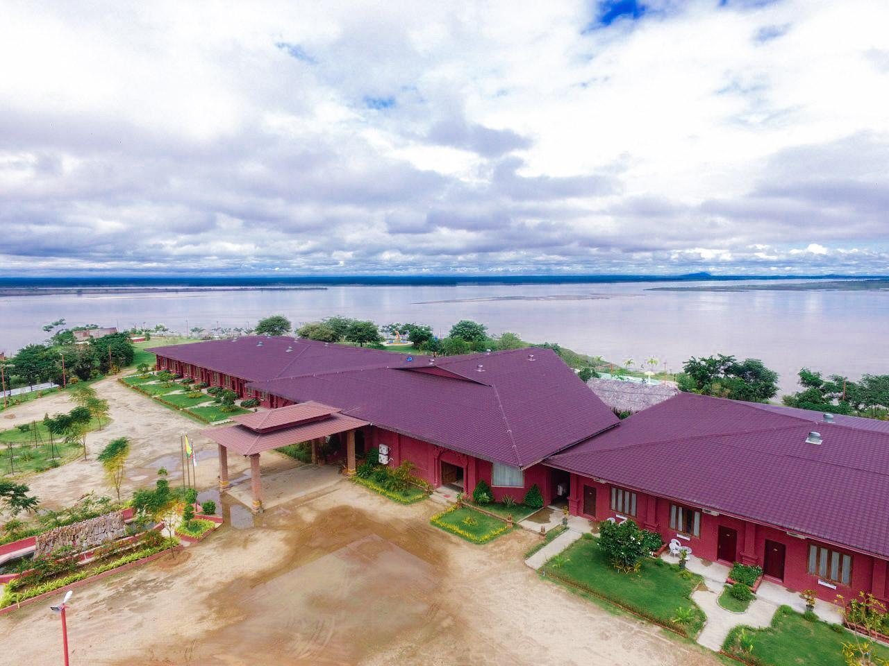 Royal Emerald River View Golf Resort