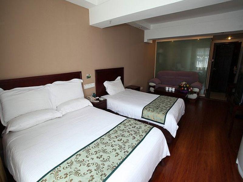 GreenTree Inn Shandong Qingdao Jiaozhou New Airport Lige Village Express Hotel