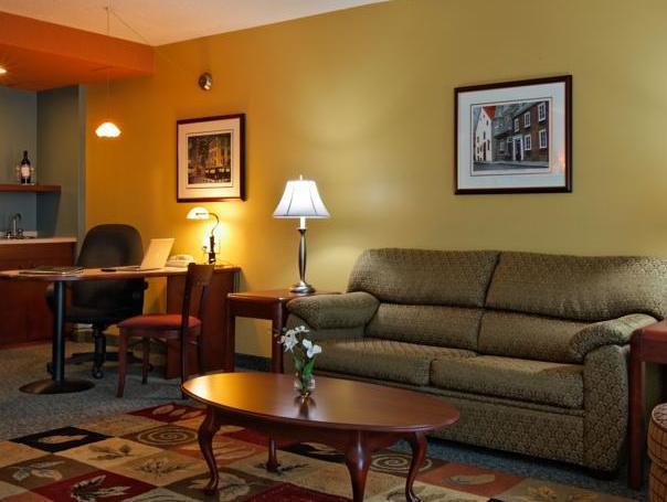 Hotel And Suites Normandin Quebec