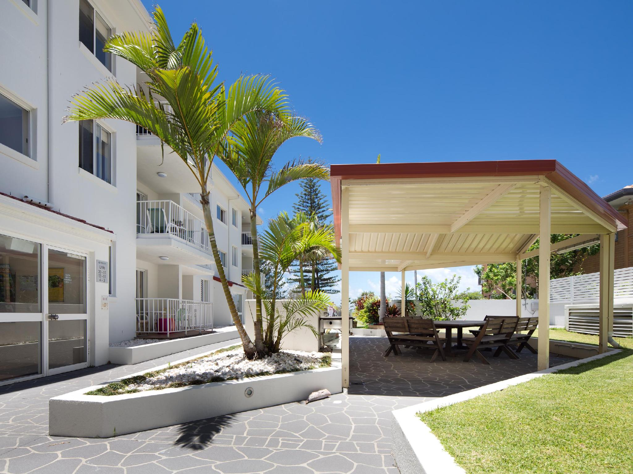 Discount Burleigh Point Holiday Apartments