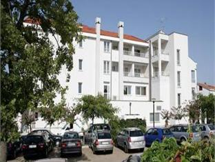 Spa And Wellness Hotel Pinia