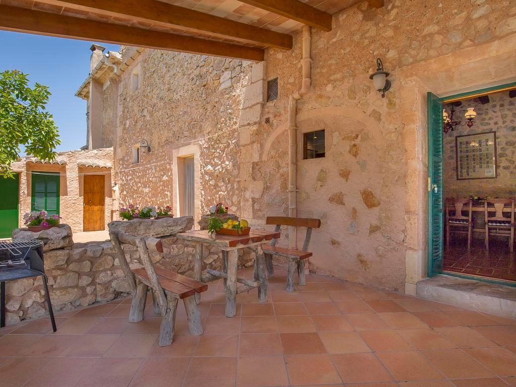 Villa closer Felanitx town for 9 people with private pool and Wifi internet