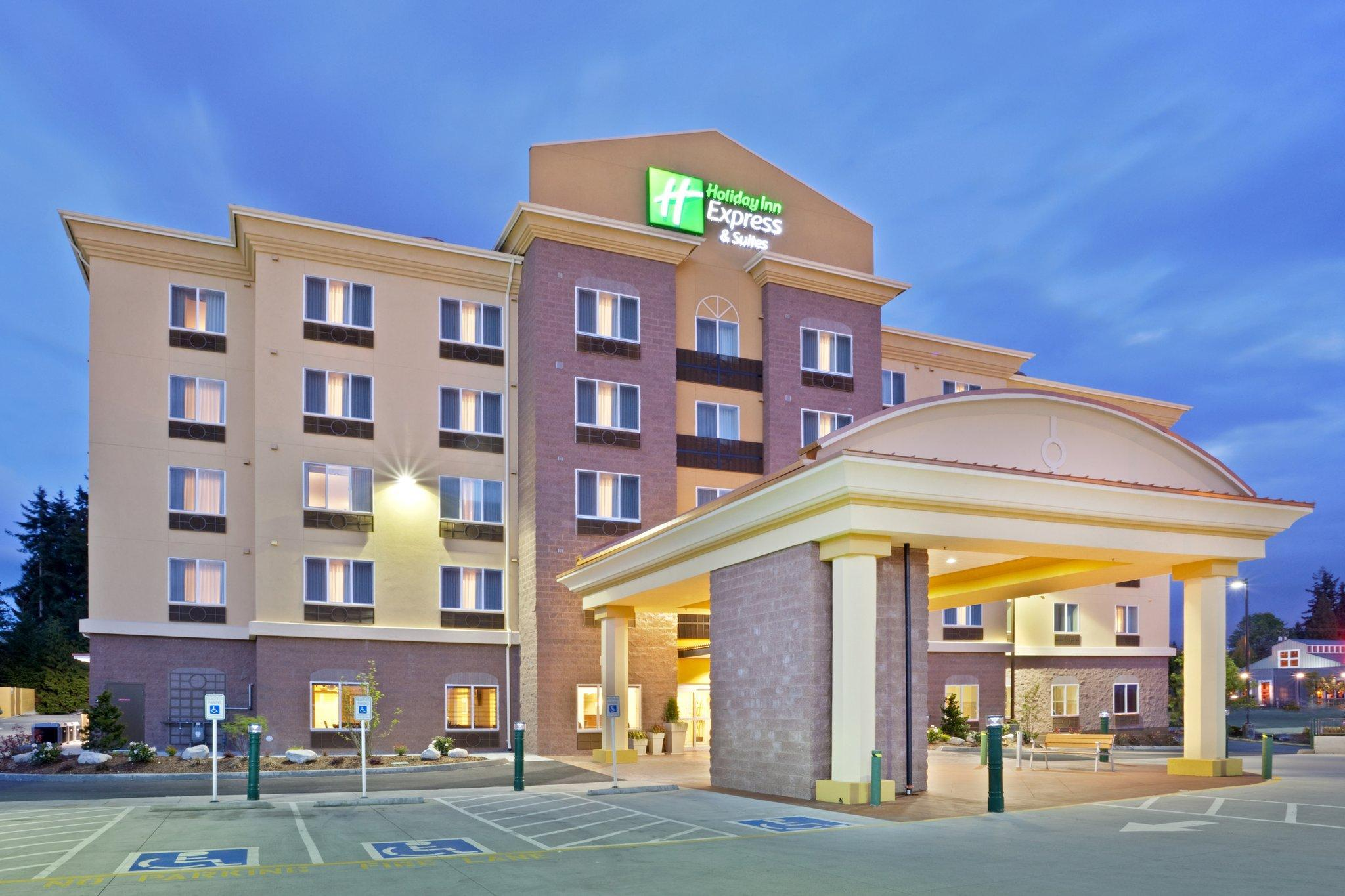Holiday Inn Express Hotel And Suites Lynnwood