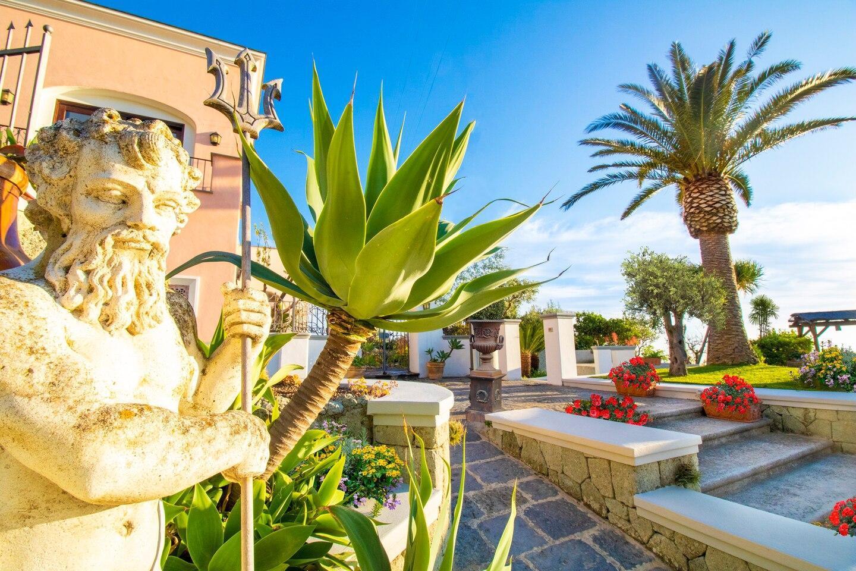 VILLA TITINA: two independent apartments in Villa