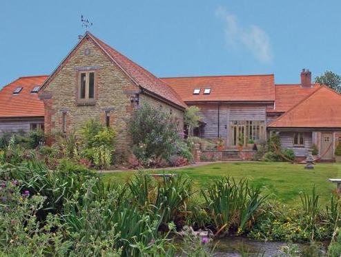 Brook Barn Country House