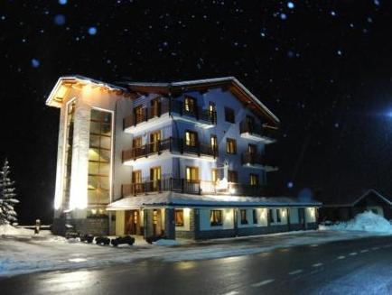 Hotel Laghetto Restaurant And Spa