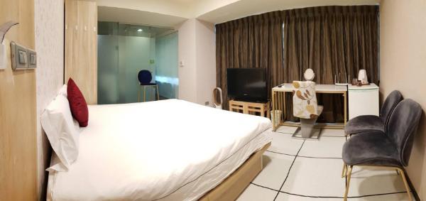 Premium room with french window 102 Taipei