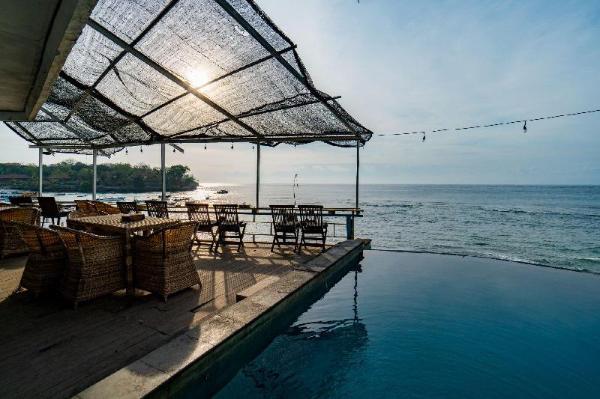 Mushroom Beach Bungalow Bali