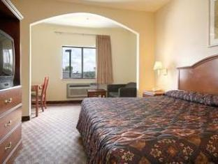 Super 8 Beaumont I 10 South Hotels image