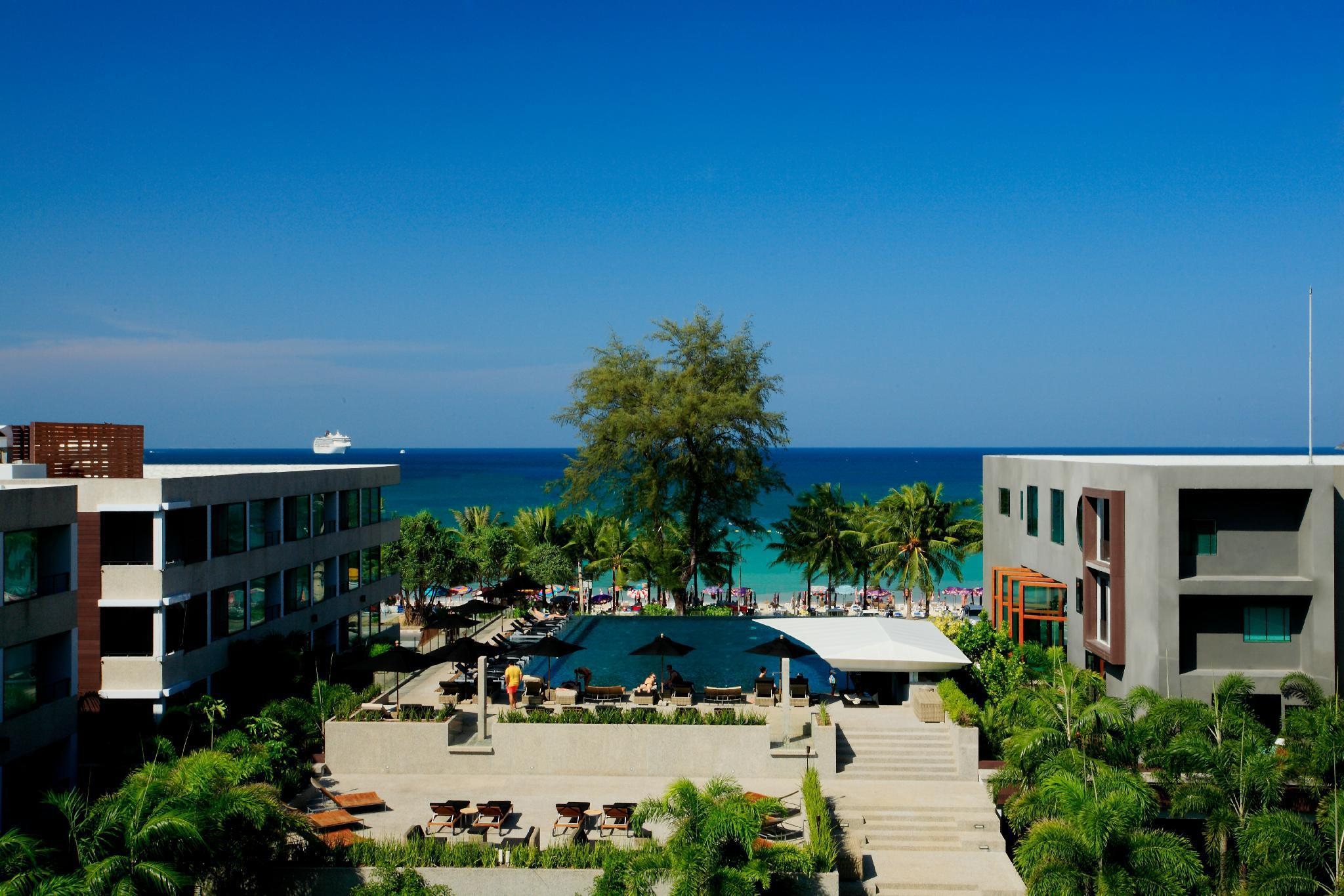 B-Lay Tong Beach Resort บีเลย์ ตอง บีช รีสอร์ต