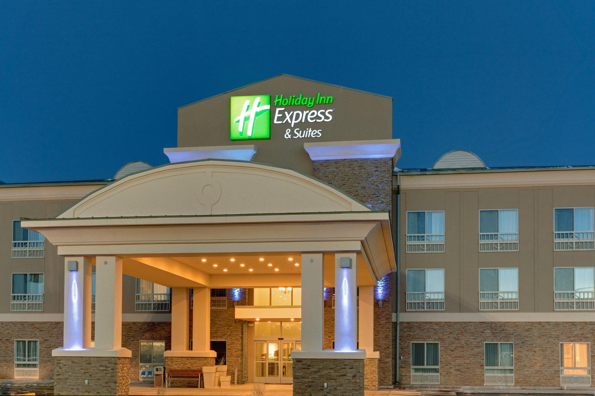 Holiday Inn Express Hotel & Suites Grants Milan