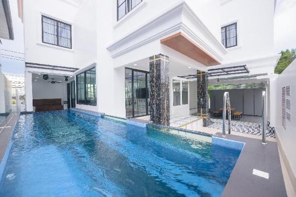 Pattaya Villa w/ bathtub - Exquisite Pool Villa I Pattaya