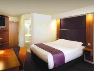 Premier Inn Peterborough Norths image