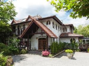 Yatsugatake Lodge Atelier Hotel