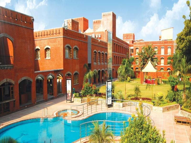 Hotel Cambay Sapphire   Gandhinagar
