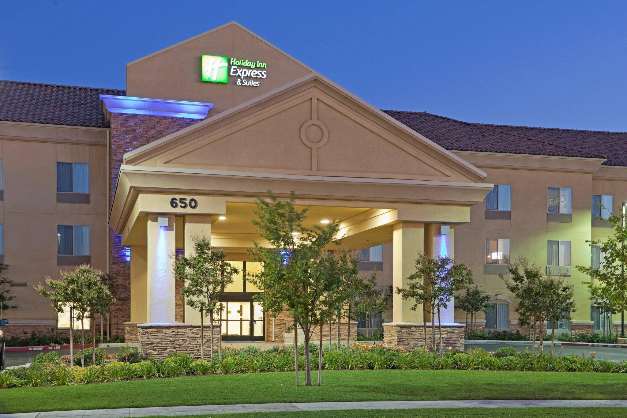 Holiday Inn Express And Suites Clovis Fresno Area