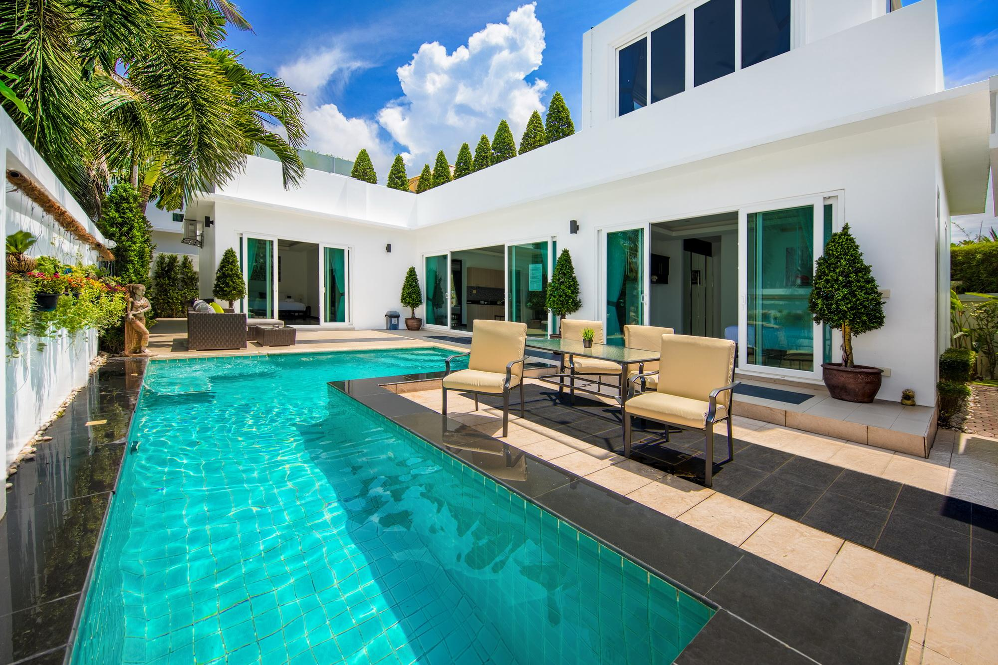Best Villa With Jacuzzi And Pool In Pattaya