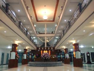 Sakthong Grand Hotel โรงแรมศักดิ์ทอง แกรนด์