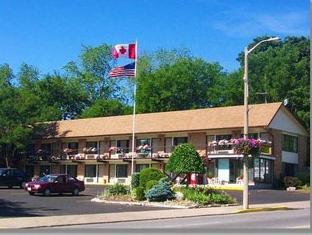7 Days Inn Niagara Falls By Elevate Rooms