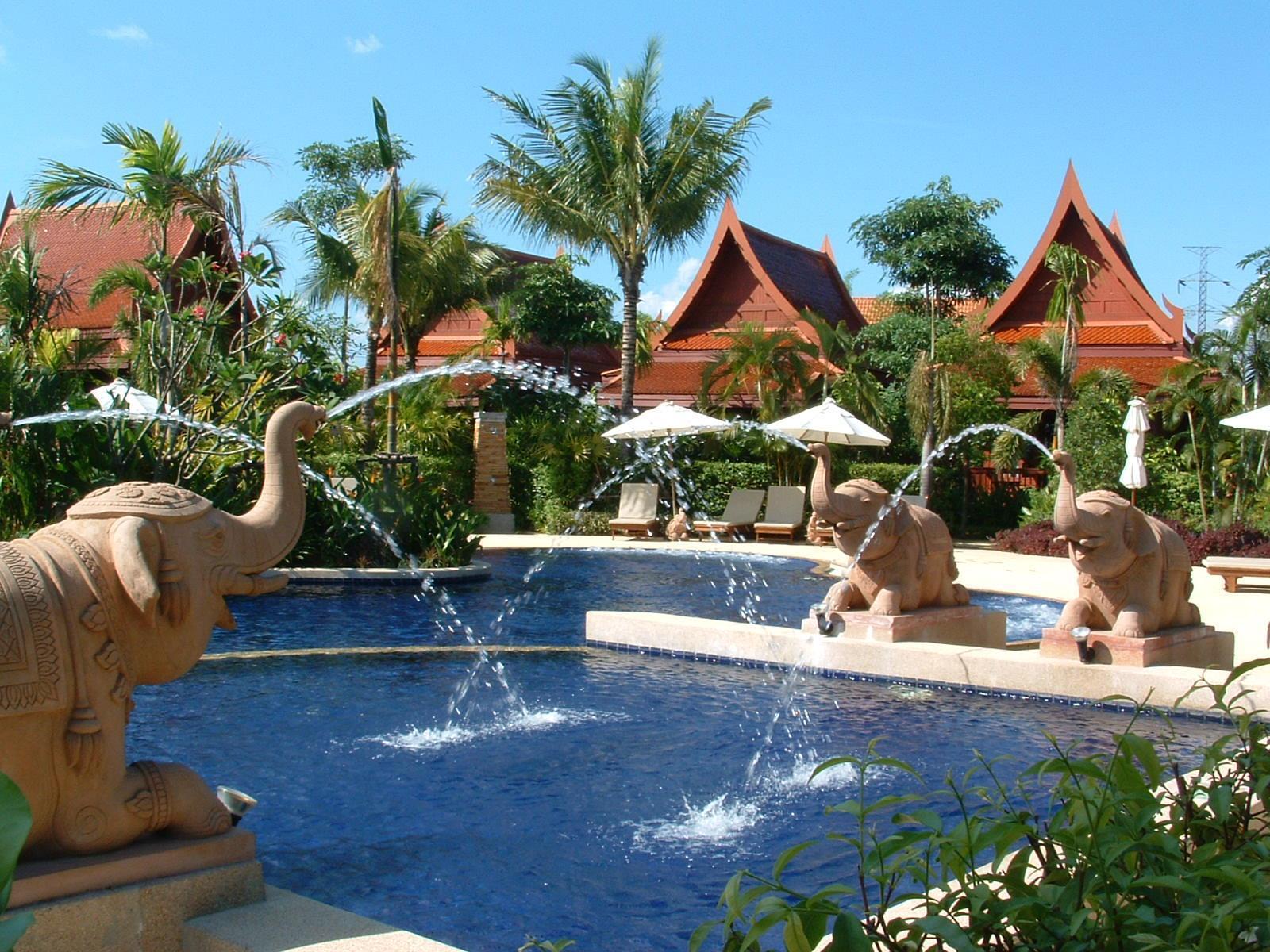 At Panta Hotel Phuket โรงแรมแอท พันตา ภูเก็ต
