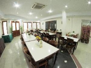 Puri Mega Hotel