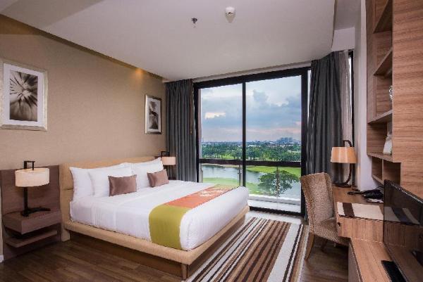 Summit Windmill Golf Residence Bangkok