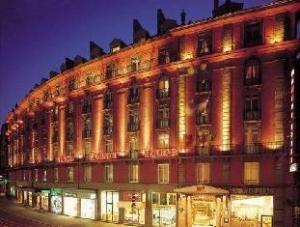 關於胭脂公寓酒店 (Hotel Maison Rouge)
