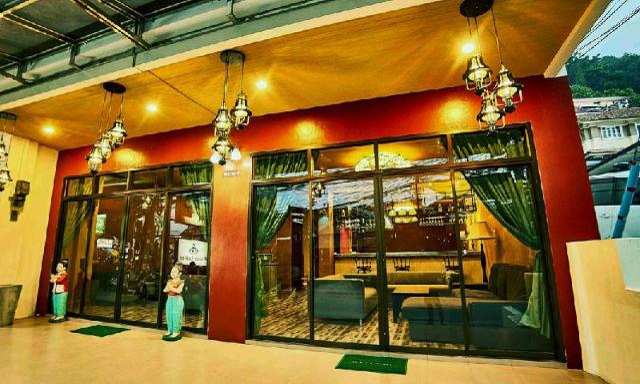 โอลมาสตา โฮเต็ล แอนด์ เลาจน์ – Ol'masta Hotel &Lounge