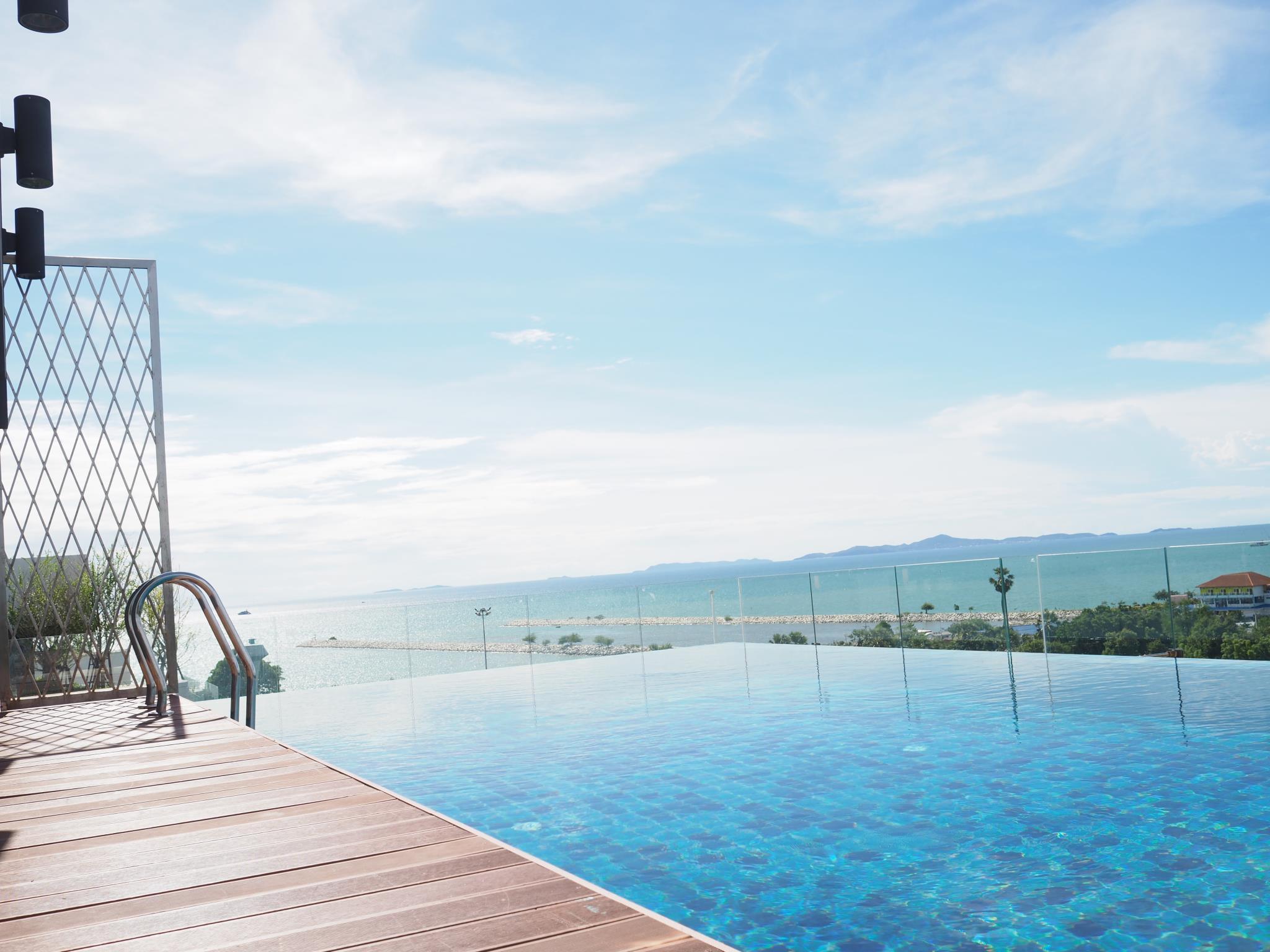 Long Beach Ban Amphur by Beach Holiday - Pattaya