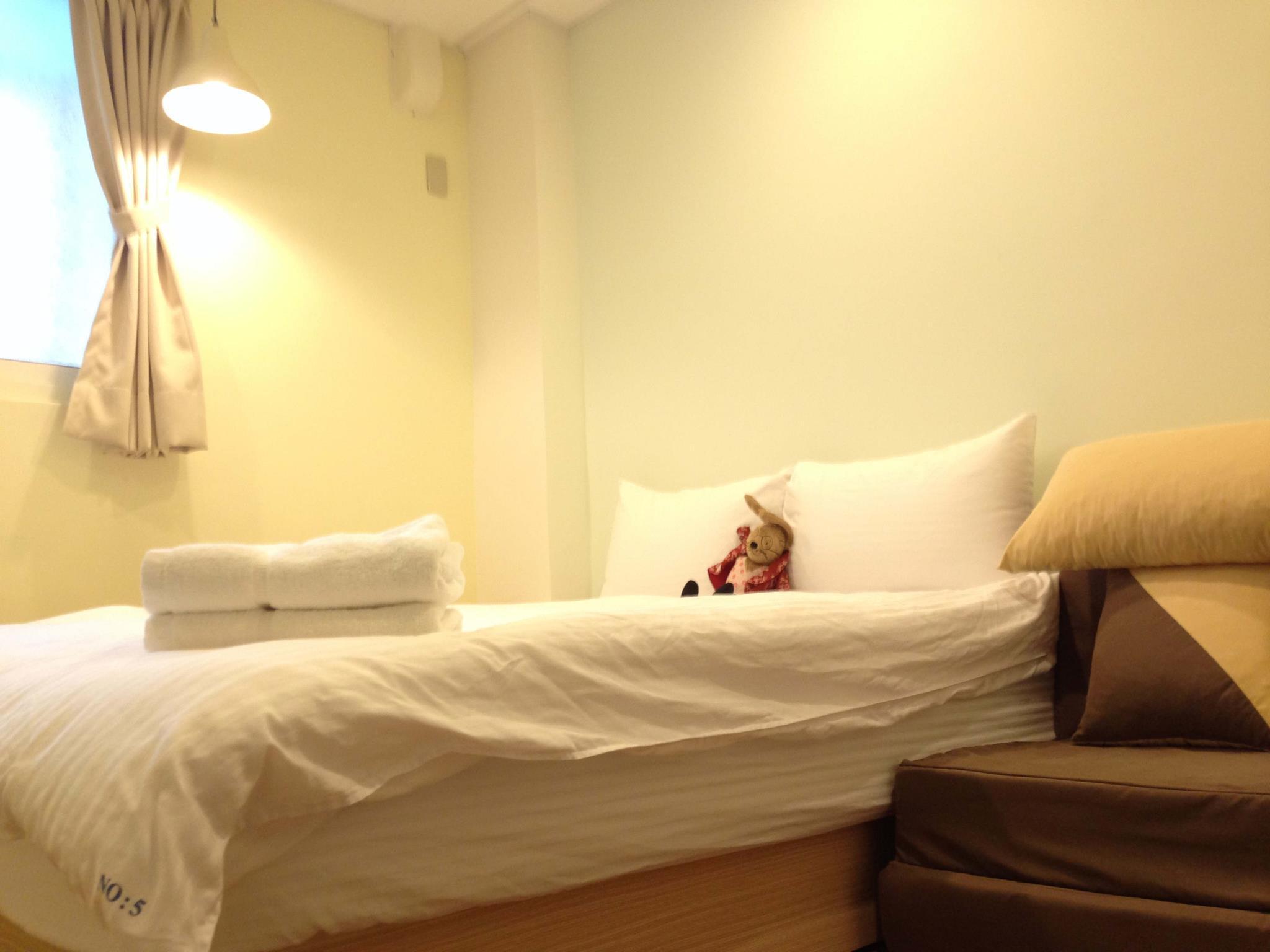 Fengjia No.5 Hostel Standard Double Room15