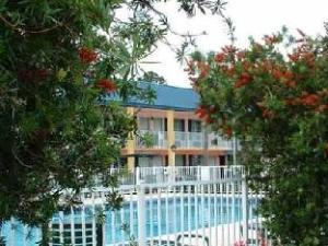 Magnuson Hotel Brunswick Inn
