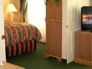 Tentang Biltmore Hotel & Suites (Biltmore Hotel & Suites)