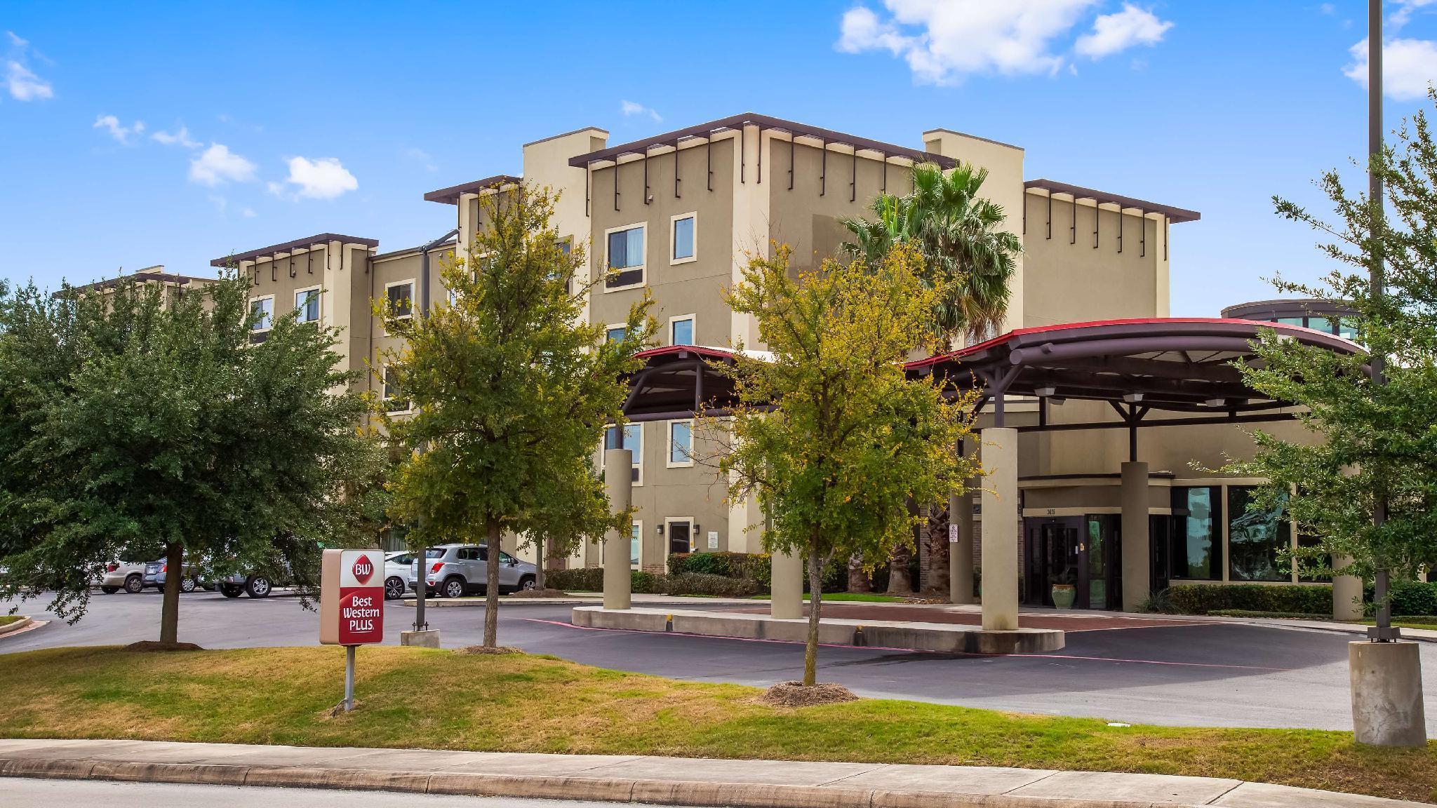 Best Western Plus Atrea Hotel And Suites