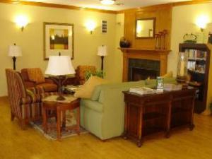 Country Inn & Suites by Carlson - Moline Airport