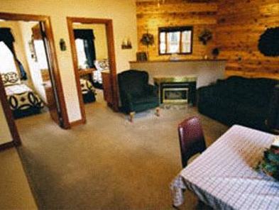 Crandell Mountain Lodge