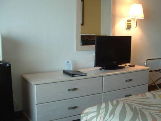 Days Inn & Suites Amelia Island At The Beach