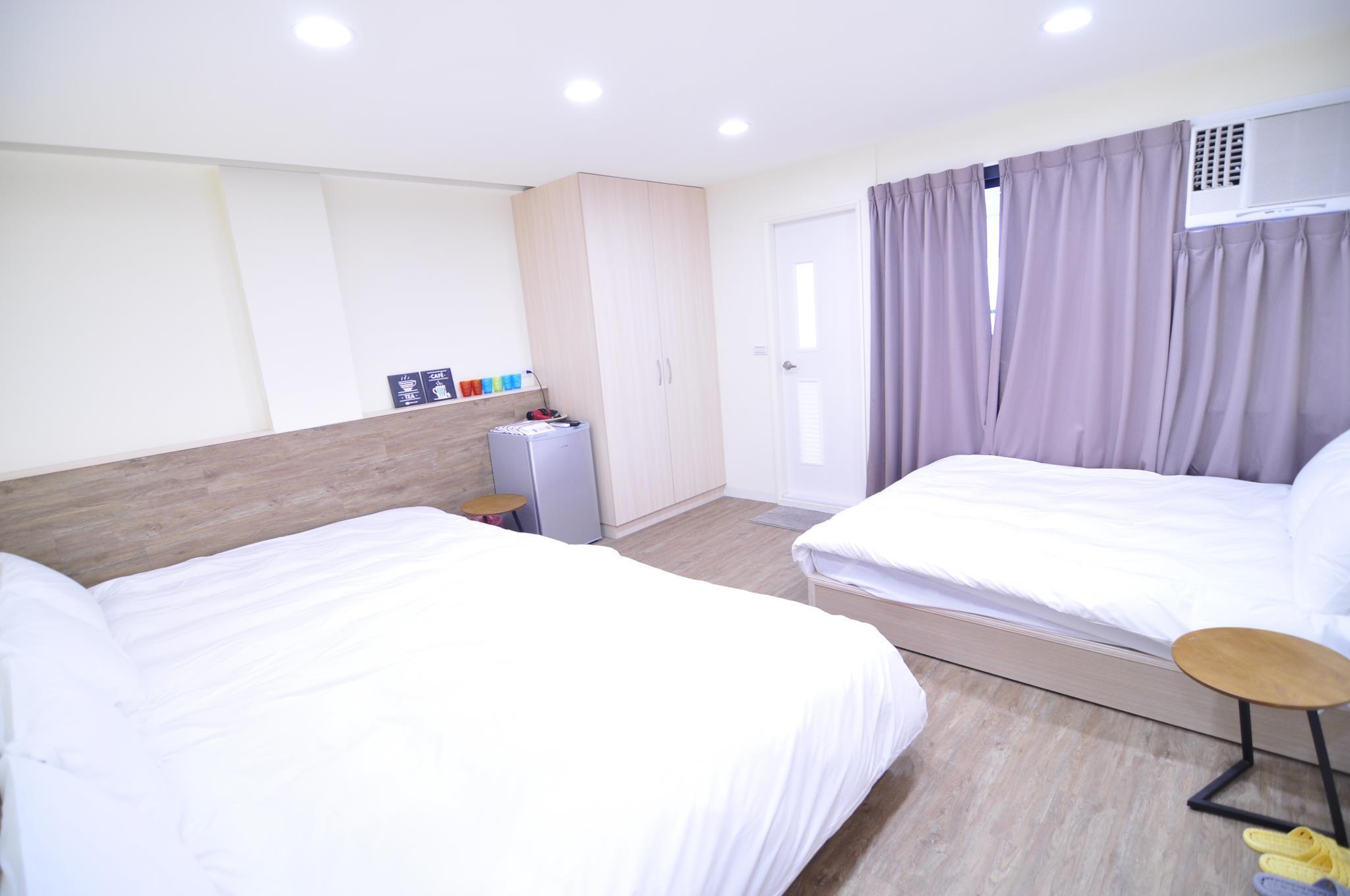 FlyinnhostelQuad Room 1